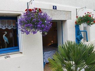 Maison de pecheur a 20 m de la plage, les pieds dans l'eau / Rez De Chaussee