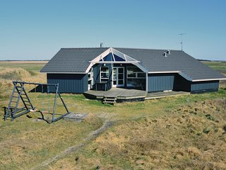 Awesome home in Ringkobing w/ Sauna, WiFi and 4 Bedrooms