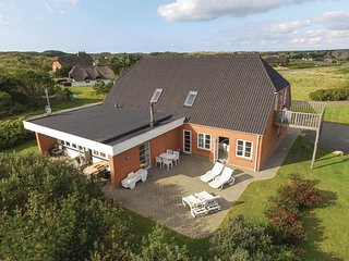Nice home in Ulfborg w/ Sauna, WiFi and 5 Bedrooms
