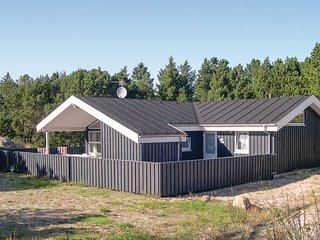 Amazing home in Ålbæk w/ Sauna, WiFi and 4 Bedrooms (A01495)
