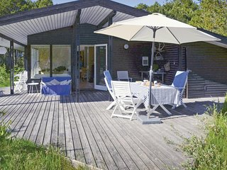 Beautiful home in Ålbæk w/ WiFi and 3 Bedrooms (A01611)