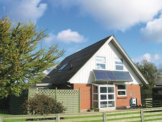 Beautiful home in Skagen w/ WiFi and 3 Bedrooms (A01805)