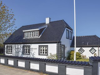 Beautiful home in Skagen w/ WiFi and 3 Bedrooms (A01983)