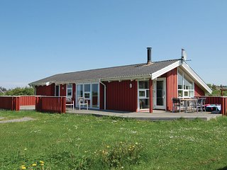 Awesome home in Hjorring w/ Sauna and 3 Bedrooms
