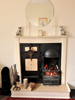 The Victorian Open Cast Iron Range Fire in Sitting Room 2 with Kitchenette