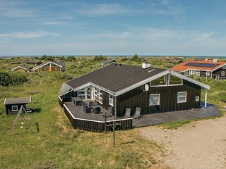 Nice home in Hjorring w/ Sauna, WiFi and 5 Bedrooms