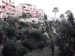 Amplio apartamento en zona de golf y playa