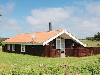 Stunning home in Løkken w/ 3 Bedrooms (A06660)