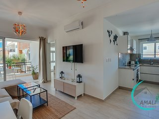 2 BR DELUXE CORAL VILLAGE D-2A,Close to the Beach!