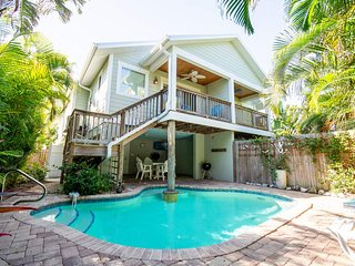 Sandy Feet Retreat- Gorgeous Private Pool Home, Just A Two Minute Walk From The