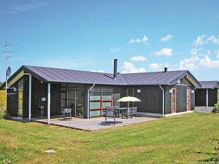 Amazing home in Løkken w/ Sauna, WiFi and 3 Bedrooms