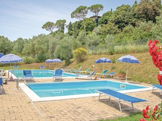 Nice apartment in Casole d'Elsa (SI) w/ WiFi, Outdoor swimming pool and Outdoor