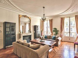 Fabulous apartment near 'l'Arc de Triomphe'(1617)