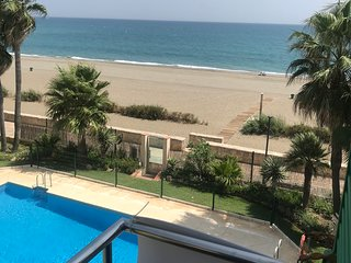 Beach Diamond - fantastic duplex right on the beach close to everything