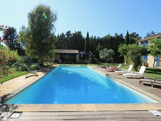 L'Eguillenne, piscine, 10min old town