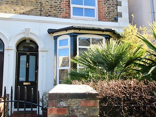 Elegant family town house  very close to Deal Castle & the seafront