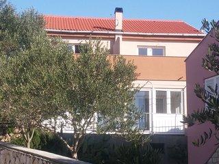 Apartments Igor (60551-A2)
