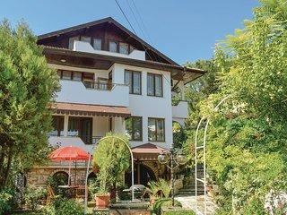 Beautiful home in Balchik w/ 5 Bedrooms