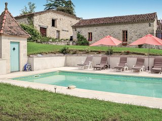 Awesome home in Bon Encontre w/ WiFi, Outdoor swimming pool and 3 Bedrooms