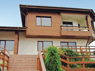 Beautiful home in Tsarkva Village w/ Sauna, 5 Bedrooms and Outdoor swimming pool