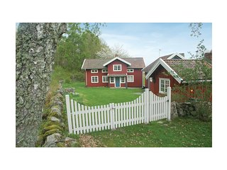 Stunning home in Hjälteby w/ 3 Bedrooms (S08581)