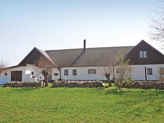 Nice home in Hammenhög w/ 3 Bedrooms