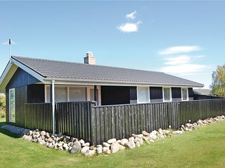Nice home in Løkken w/ WiFi and 3 Bedrooms (A10437)