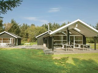 Beautiful home in Løkken w/ Sauna, WiFi and 4 Bedrooms (A10441)