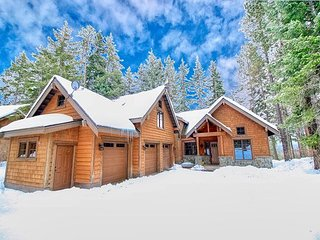 Spacious and Private Retreat in Suncadia with Big Views and Hot Tub