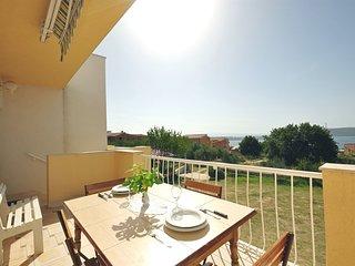 Apartments Mladen (31431-A1)