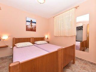 Apartment Marijan (24431-A1)