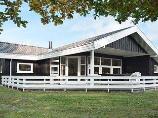 Fjellerup Mark Holiday Home Sleeps 8 with WiFi - 5061251