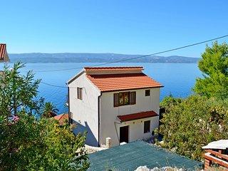 House Petar (47271-K1)