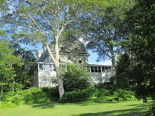 Captains_Quarters_East_Boothbay