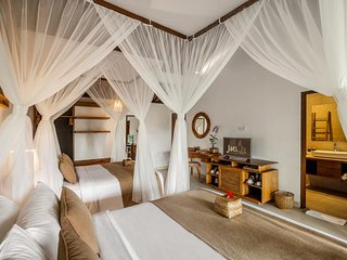 Family Suite Room - Breakfast close to monkey forest