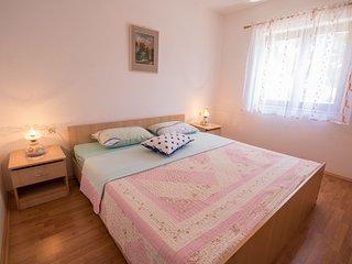 Apartments Nusret (67061-A2)