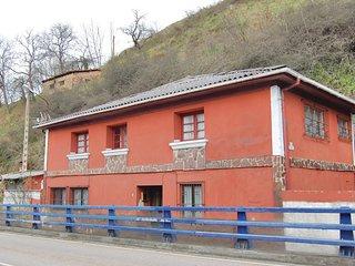 Amazing home in Puente De Los Fierros w/ 4 Bedrooms
