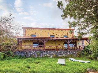 Stunning home in Icod el Alto w/ 2 Bedrooms