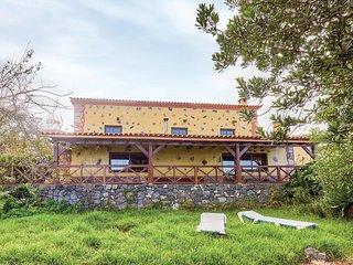Nice home in Icod el Alto w/ 2 Bedrooms
