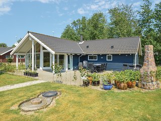 Amazing home in Rodby w/ Sauna, WiFi and 4 Bedrooms