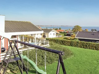 Awesome home in Sjølund w/ Sauna, WiFi and 3 Bedrooms