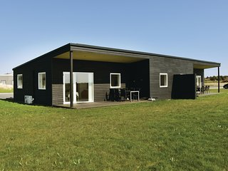 Beautiful home in Ringkøbing w/ WiFi and 3 Bedrooms