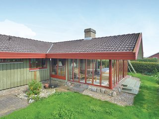 Beautiful home in Hejls w/ 3 Bedrooms and WiFi