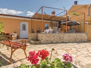 Beautiful home in Gajana w/ WiFi and 2 Bedrooms