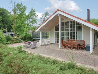 Amazing home in Haderslev w/ Sauna, WiFi and 4 Bedrooms