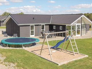 Beautiful home in Haderslev w/ Sauna, WiFi and 4 Bedrooms