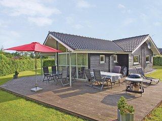 Nice home in Aabenraa w/ Sauna, WiFi and 4 Bedrooms