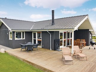 Awesome home in Haderslev w/ Sauna, WiFi and 3 Bedrooms
