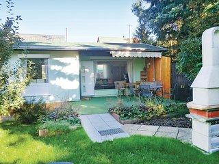 Nice home in Radebeul/Lindenau w/ 2 Bedrooms