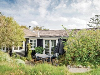 Amazing home in Hjørring w/ Sauna and 5 Bedrooms (D7369)